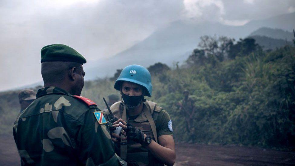 Congolese general speaks to Monusco officer in Virunga national park - 22 February